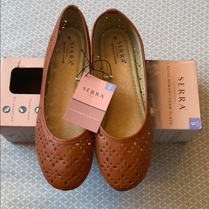 Shoes - Cute brown flats